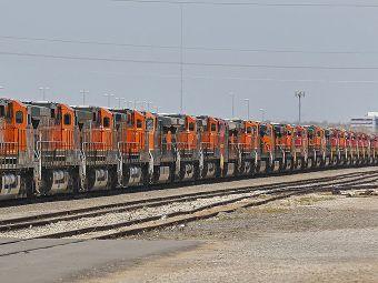 Parked BNSF locomotives near Oklahoma City